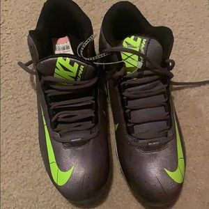 Nike football cleats shoes